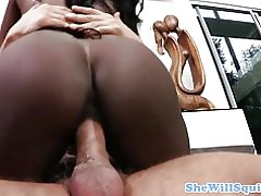 Analloving kukomaa squirting classy ebony furaha